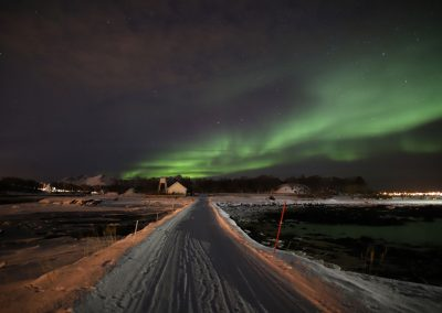 Nordlyset sett Meløy i Øksnes - Foto: Henrik Rødsand
